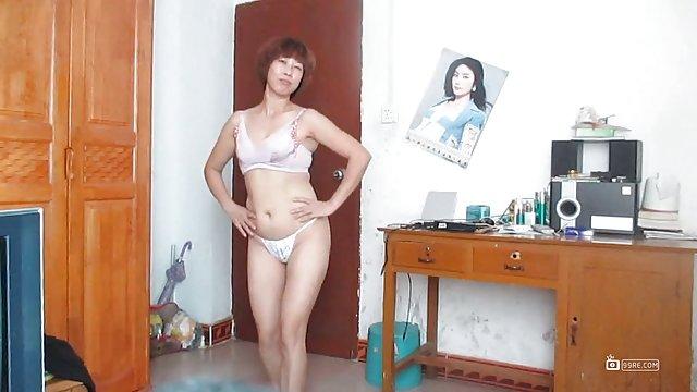 肛门手淫的女人跳舞的视频门罗赤裸裸的