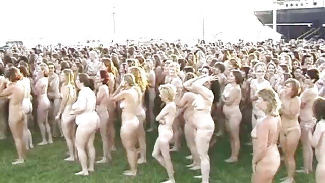 免费的监狱色情裸体照片的新闻故事